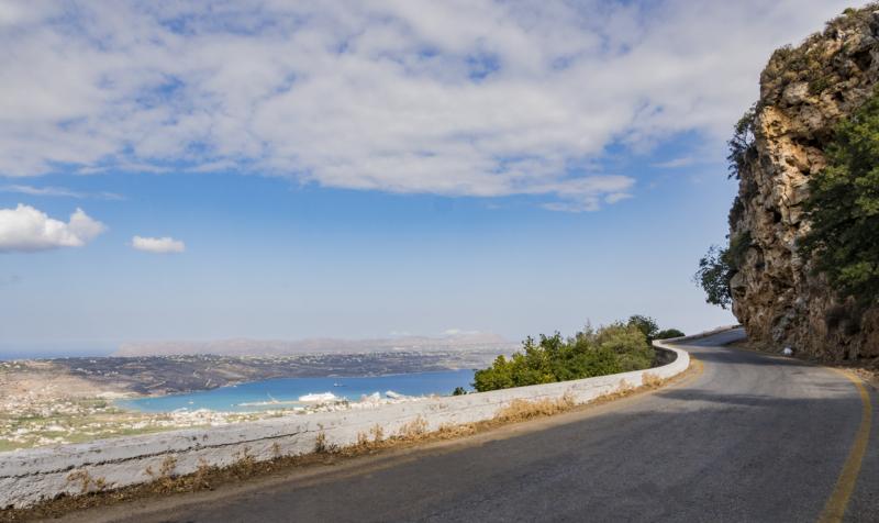 image to showcase the beautiful road to villa malaxa